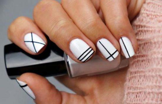 diseño de rayas para las uñas